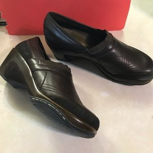 Shoes - Brown leather shoe size 11.